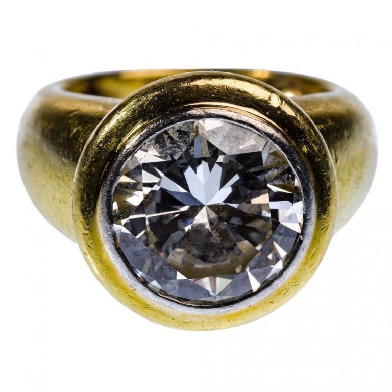 Gold and Diamond Ring 1